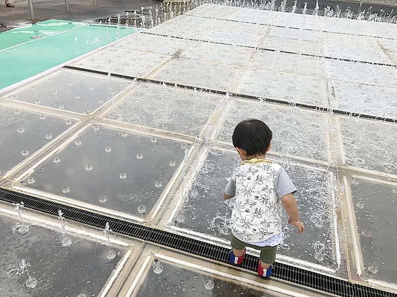 富山子供連れの遊び場水遊びの穴場!太閤山ランド内【噴水パラダイス】