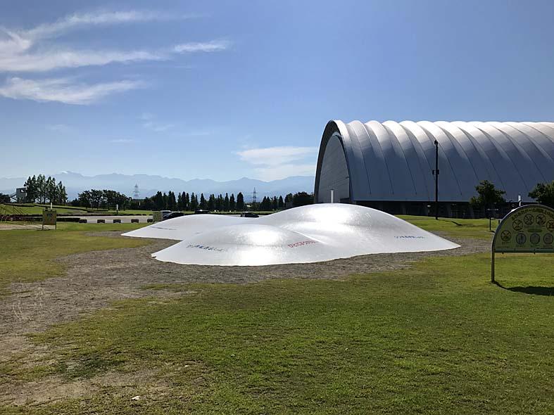 【富山県総合運動公園】超楽しい巨大なふわふわドームあり!遊ぶ際の注意点も【富山子供連れ遊び場】