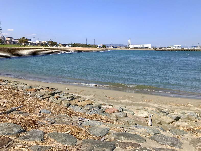 富山子供連れの遊び場【海老江海浜公園】日本海の荒波に子供大興奮!