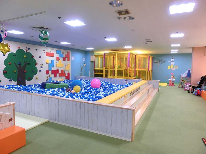 富山子供連れ遊び場【アピタ富山店内「あそびばアミー」】雨の日でも遊べる屋内有料キッズスペース!
