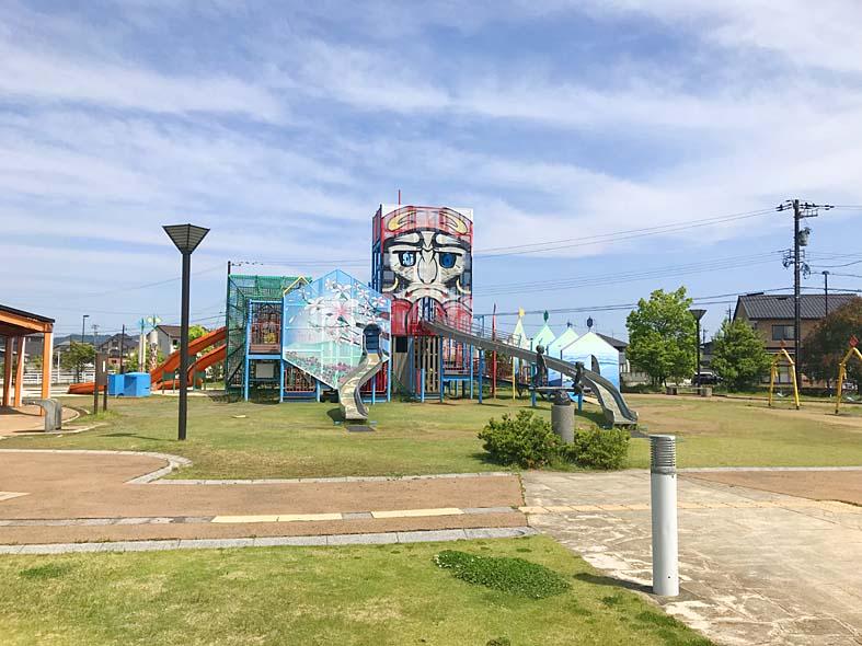 富山子供連れの遊び場【グリーンパークだいもん】凧公園の遊具に子供大喜び!