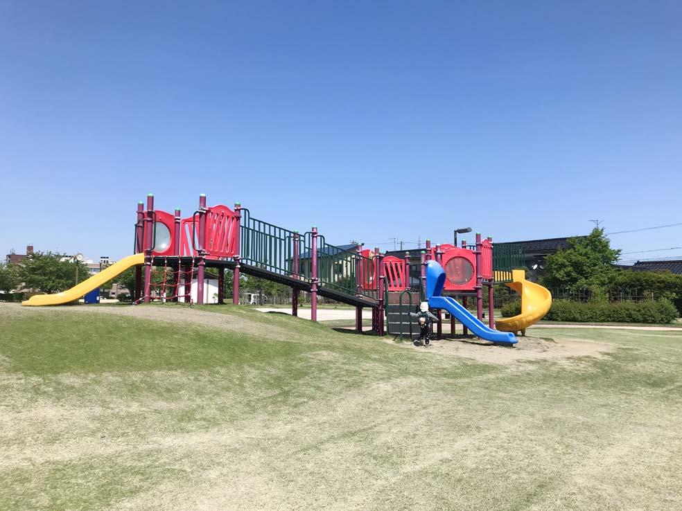 富山子供連れの遊び場【城川原公園】ヨチヨチさんに特にオススメの小ぶりな公園!