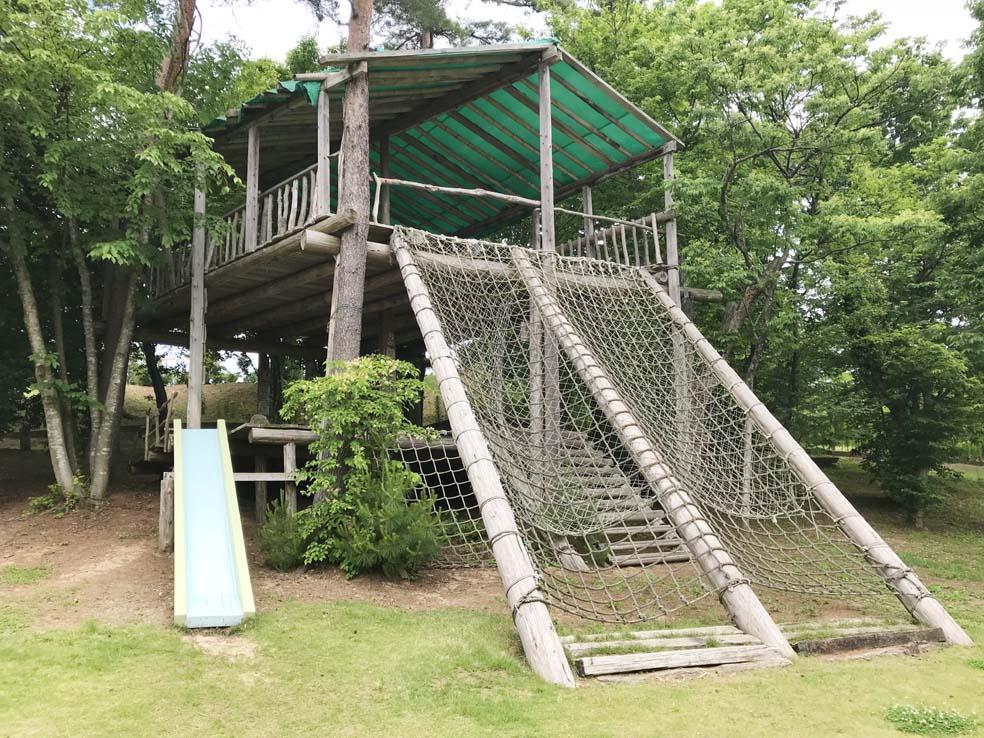 富山子供連れの遊び場・バラ園が有名な【氷見あいやまガーデン】