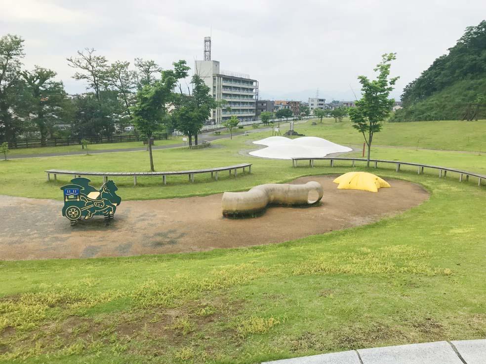 富山子供連れの遊び場【呉羽丘陵多目的広場】アスレチックが楽しい広大な公園!