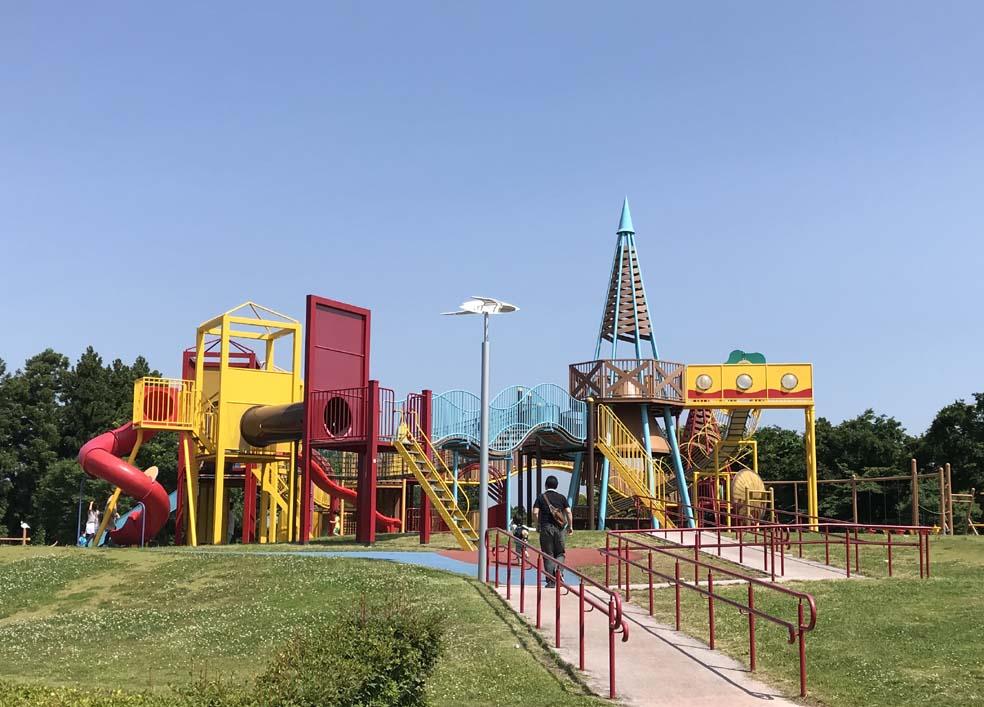 富山子供連れの遊び場【立山町総合公園】巨大アスレチックに子供大喜び!