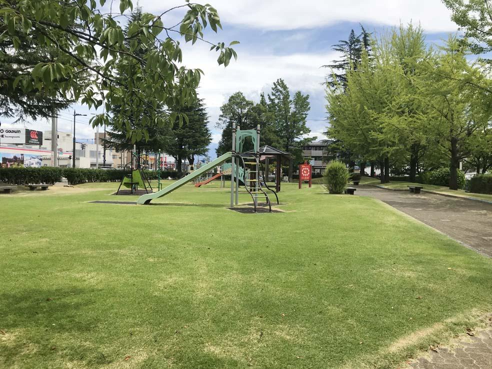 富山子供連れの遊び場【五福公園】街中で散歩とアスレチックが楽しめる公園