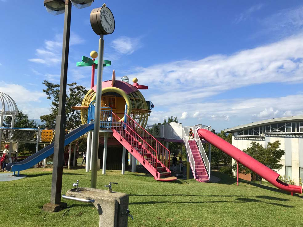 富山子供連れの遊び場【砺波総合運動公園】子供が喜ぶ遊具口コミ体験談